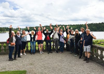 Studens posing during a field trip to Drottningholm